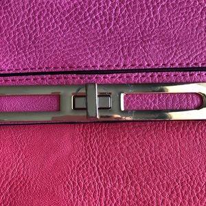 Gianni Bini Bags - Gianni Bini • Pink Crossbody